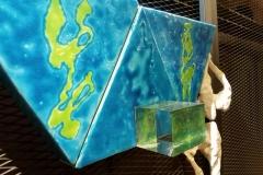 Installazione Voyage by sea - particolare terracotta, smalti, plexiglass con pittura d'acqua